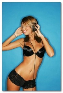 900x900px-LL-ef40f3c7_headphones-sexygirl.jpg.scaled500